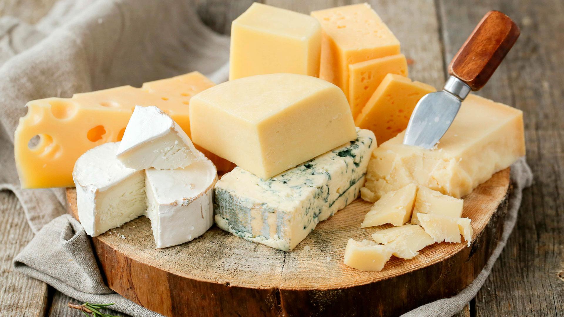 Il formaggio aiuta controllo degli zuccheri nel sangue Stabilizza livelli insulina probabilmente con azione fosfolipidi